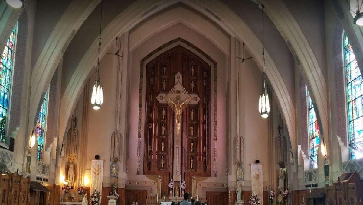 La Arquidiócesis de Chicago dijo que estos sacerdotes están dejando el ministerio para entablar relaciones con otros adultos