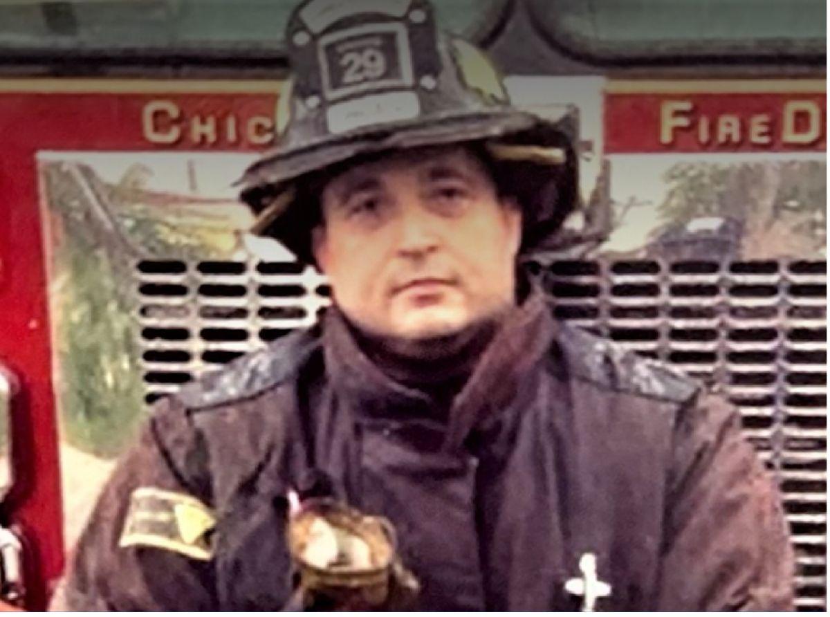 El bombero Michael Pickering de 45 años murió a causa del virus covid.19. Foto Departamento de Bomberos de Chicago